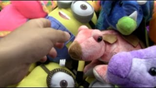 Finding an UNLOCKED OPEN Claw Machine!!!