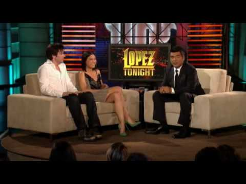 Lopez Tonight Julia Jones and Billy Burke (6302010).flv