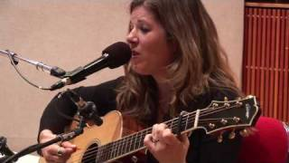 Watch Dar Williams Buzzer video