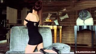 Elizabeth Marxs in Naked Invitation