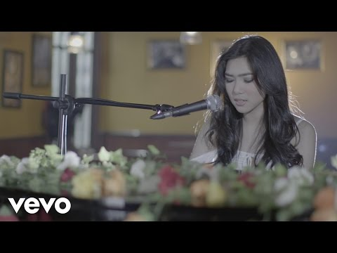 Download Lagu Isyana Sarasvati - Tetap Dalam Jiwa MP3 Free
