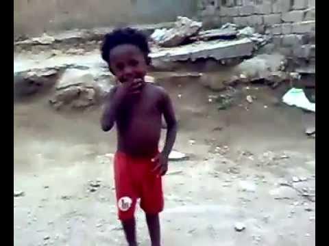 طفل يرقص بالشورت رقص رائع thumbnail
