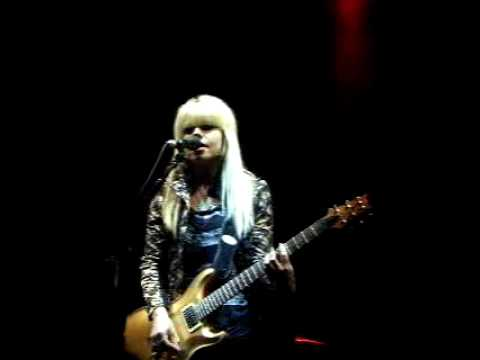 Orianthi Live In Sydney - According to You - Full Song - Australian Guitarist This Is It
