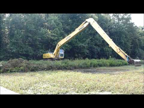 Kobelco sk250 Long Reach Excavator Dredging pt 2
