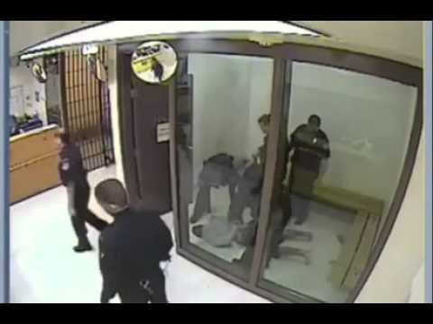 Prisoner takes on guard because he 'just wanted to fight someone'
