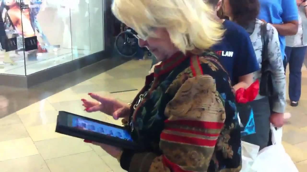 México: En la fila para comprar el iPad 2