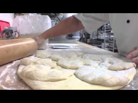 Hot Dish: Sanibel Island, FL baker gets crazed over Cronuts