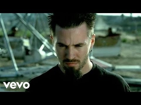 Papa Roach - She Loves Me Not Video