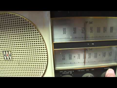 1960 Westinghouse AM/FM tube-type radio model H-777N7 demonstration
