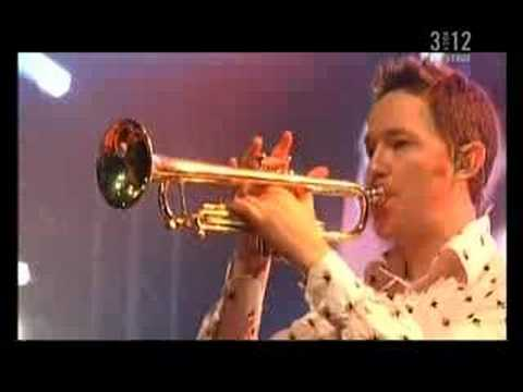 belle & sebastian - sleep the clock around - lowlands