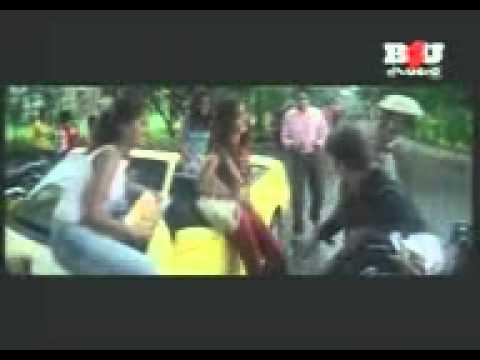 Aise na dekho mujhe- Kumar Sanu