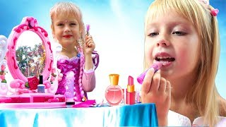 Disney Princesses Costumes & Kids Makeup with Colors Paints  Play with Real Princess Dresses