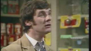 Monty Python- Dead Parrot Sketch FULL