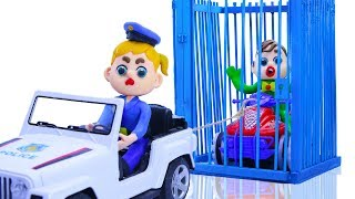 SUPERHERO BABY POLICE STOPS STREET VEHICLES 💖 Play Doh Cartoons For Kids