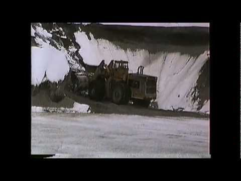 NHN GP9's blasting thru the snow Dover to Ossipee,NH 01/14/1991