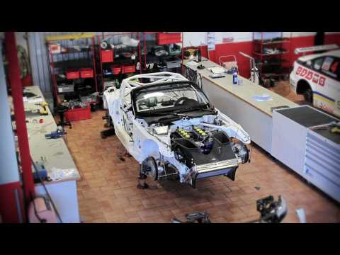 BMW Z4 GT3 - Car Assembly HD Time Lapse