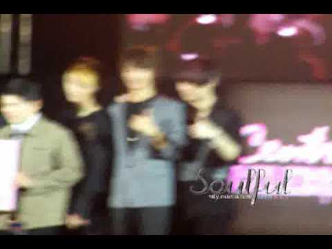 [Fancam] 091203 MINKEY @ Central Chidlom