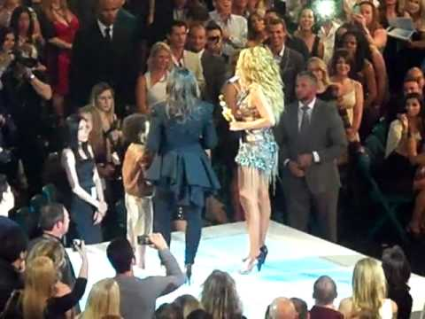 Beyonce accepts the Artist of the Millineum Award at the Billboard Music Awards (May 22, 2011)