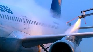 Aircraft De-Icing - Close Up, Details [HD]