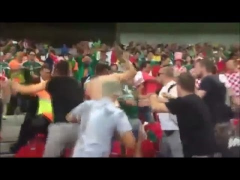 Pelea entre mexicanos y croatas fight fans mexicans croatians Brazil 2014