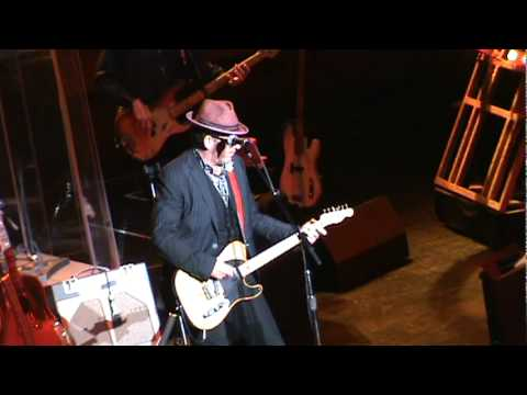 Elvis Costello - Strict Time