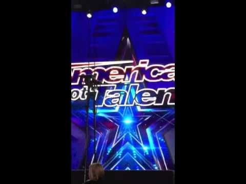 America's Got Talent 2016 'Arielle' selected to sing from the audience