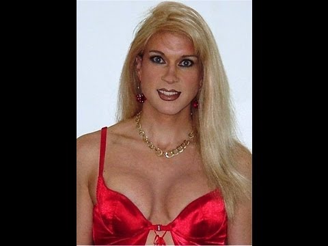 Heidi Crossdresser, Creating Cleavage,