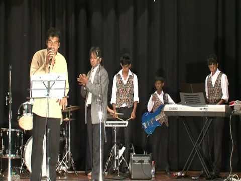 Oruvan Oruvan Mudhalali From 'muthu' Sang By Karthik video