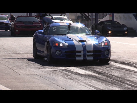 1200hp Ford GT vs 1050hp Viper