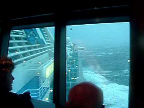 Heavy Seas On Diamond Princess Cruise Ship Youtube
