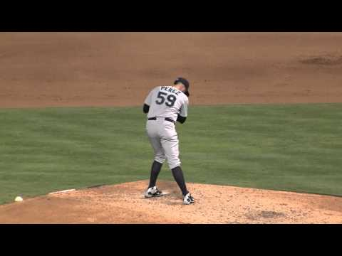 8/16/13 Oliver Perez weird pitching motion. From the stretch. deceptive.