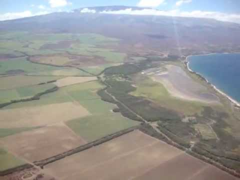 Landing in Maui, Hawaii Kahului airport