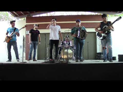 Grupo aferrado - hombre nuevo ( 2015 soundcheck ) apatzingan