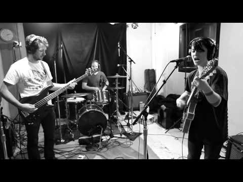 Sharon Van Etten - One Day (Live on KEXP)