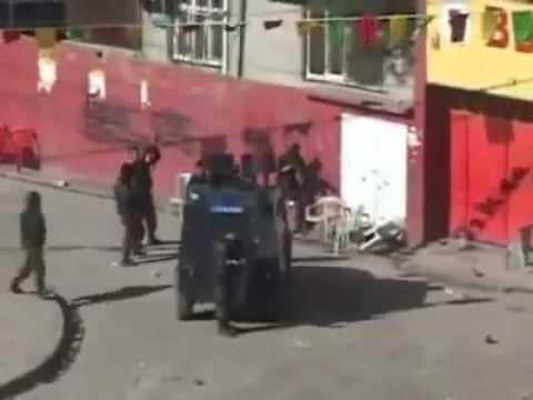 PKK YI SİKEN POLİS OZEL HAREKAT :))