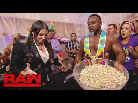 The New Day's record-breaking celebration takes a chaotic turn: Raw, Dec. 12, 2016 thumbnail