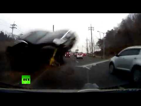 Horror car crash video: Driver survives head-on collision in S. Korea