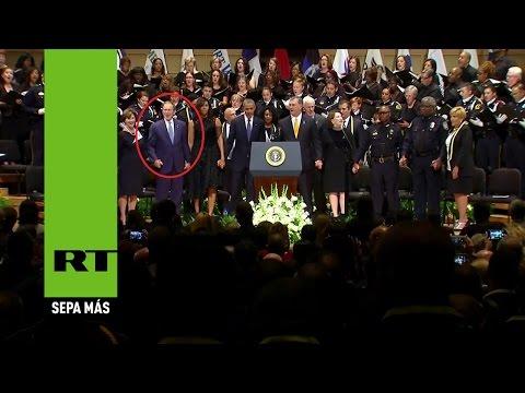 Video: Extraño baile de Bush en el funeral de los policías asesinados en Dallas