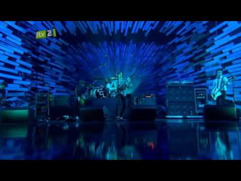 A - Kings Of Leon - Use Somebody (live  Brit Awards 2009) video