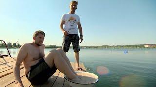 Как всплыть с тазом цемента на ногах? Try swimming in cement shoes.