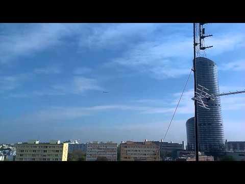 F-16 We Wrocławiu. Myśliwce Przy Sky Tower