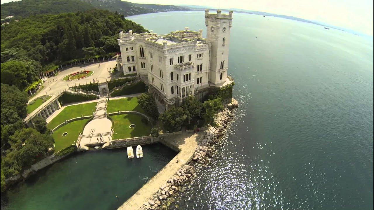 Trieste Castello di Miramare Foto Castello di Miramare Trieste