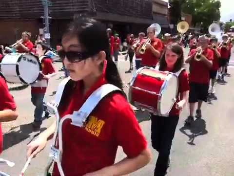 Memorial Middle School Band performs in Lebanon Strawberry Festival Grand Parade