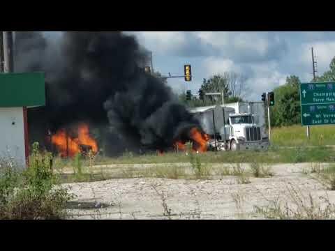 Download Crash on Route 45 Near I-57/70 Mp4 baru