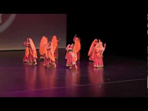 Tad Tad Tali Pade - Girls Gujarati Garba Dance video