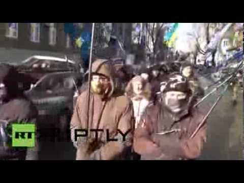 Ukraine: Thousands protest in front of the Rada