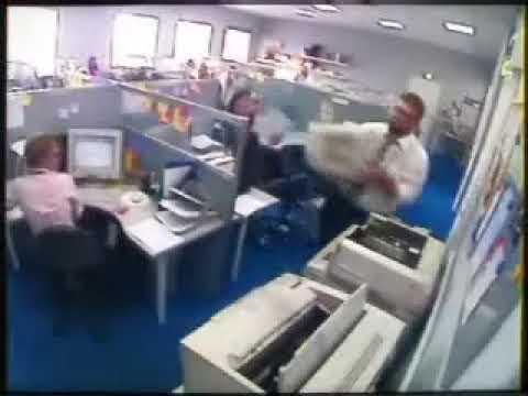 Estres en la oficina (Malditas maquinas)