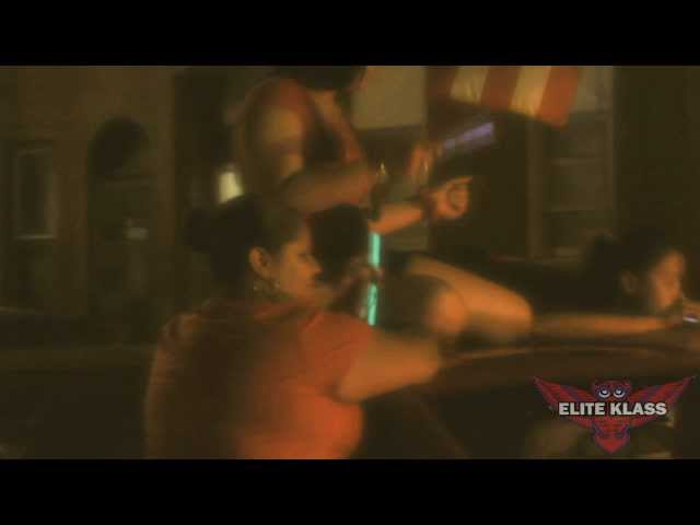 BEST BOOTY SHAKING AT PUERTO RICAN PARADE  + MAN GETS ARRESTED!! 2011 (E KLASS TV)