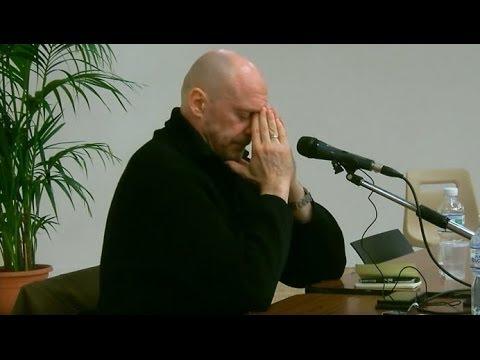 Alain Soral ému aux bords des larmes dans sa dernière conférence à Bordeaux
