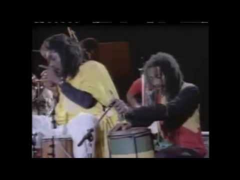 Peter Tosh LIVE! - Rastafari Is (nyabinghi drum session)